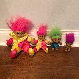 Vintage bundle of 4 trolls.